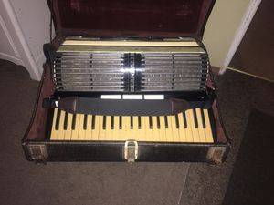 Awesome Sounding Accordion for Sale in Peoria, IL