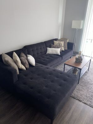 Rooms to go sectional navy blue couch for Sale in Yonkers, NY