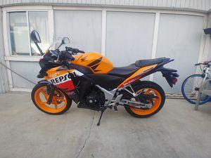 CBR Honda 300cc 2013 título y rejistrasion $3000 for Sale in Corona, CA