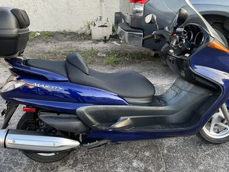Majesty Yamaha 400cc for Sale in Miami,  FL