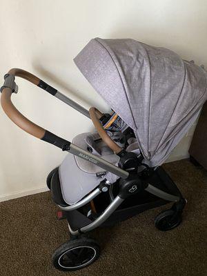 Maxi cosi adorra stroller for Sale in Fresno, CA