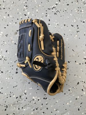 Kids baseball glove for Sale in Santee, CA