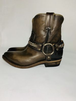 Women's Billy Chain Short Western Boot size 6 new without box 100% authentic for Sale in Dundalk, MD
