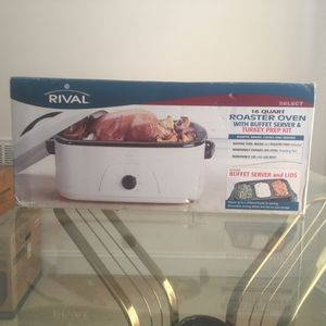 Rival 16qt roaster oven w buffet server for Sale in Durham, NC