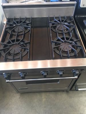 """VIKING 30"""" Stainless steel Gas stove for Sale in Concord, CA"""