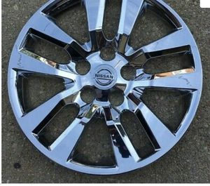 Nissan Altima hubcap for Sale in Oxon Hill, MD