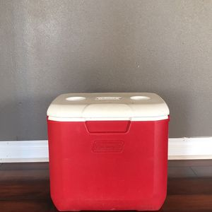 Cooler for Sale in Mount Vernon, WA