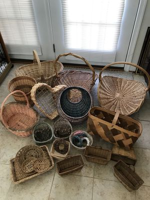 """Very nice Lot of """"Baskets"""" Price is for alllll ! for Sale in Gainesville, VA"""