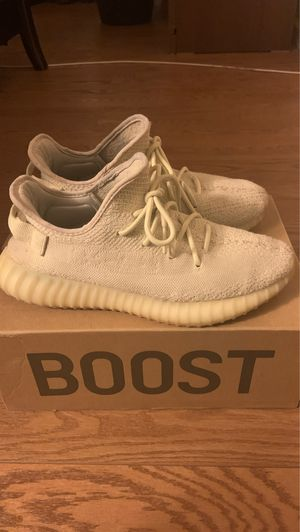 Yeezy 350 butter size 10 for Sale in Sterling, VA