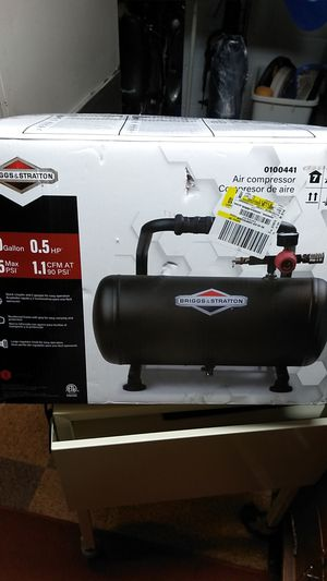 New Briggs and Stratton 4 gal air compressor for Sale in Parma Heights, OH