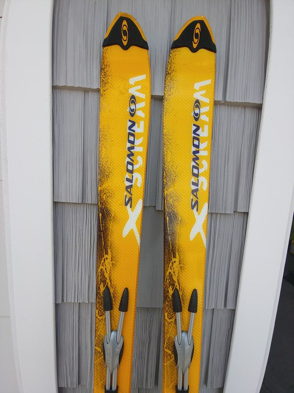 Salamon xscream downhill skis and Nordica Thermo Custom fit boots