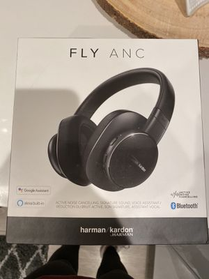 Harman Kaedon Bluetooth headphones for Sale in Los Angeles, CA