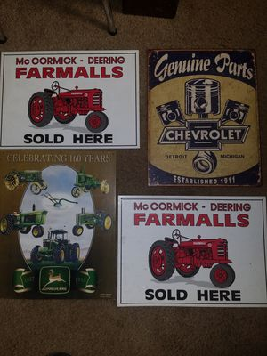 LOT OF METAL SIGNS TRACTORS/AUTO/CHEVY/JOHN DEERE/ FARM DECOR for Sale in Tacoma, WA