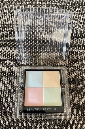 Givenchy - Face Powder. Makeup for Sale in Alexandria, VA