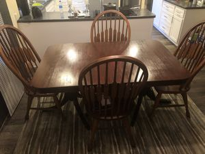 5 piece table for sale for Sale in St. Louis, MO