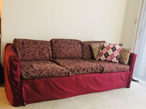 3 seater couch for Sale in Lynchburg, VA