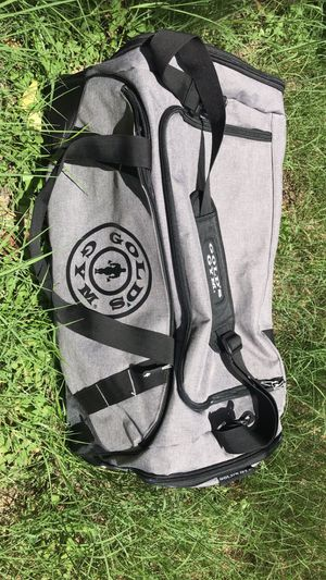 Golds Gym Duffle bag for Sale in San Antonio, TX