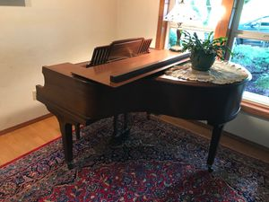 Starr Baby Grand Piano w/Bench for Sale in Aberdeen, WA