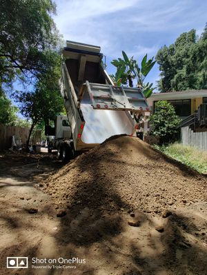 Free clean dirt.DELIVERY free 🚛🚚🚛🚚🚛 for Sale in Anaheim, CA