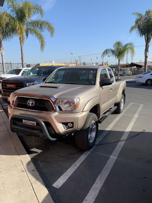 2005 Toyota Tacoma 6 cilindros salvage standar for Sale in Modesto, CA