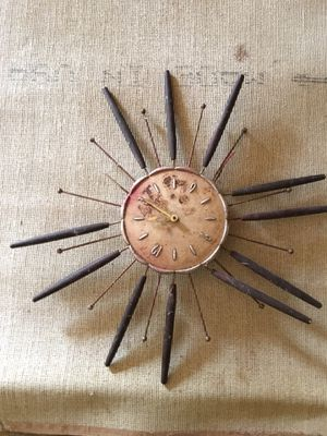 Vintage Lux Atomic Sunburst Clock for Sale in Oklahoma City, OK