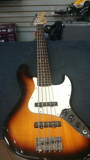 Fender Squire Tobacco Burst Bass w/ strap for Sale in Atlanta, GA