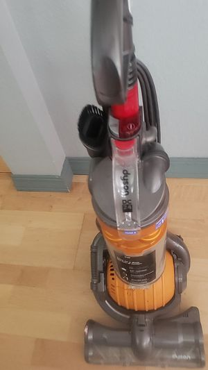 4 Dyson vacuums and accessories for Sale in Littleton, CO