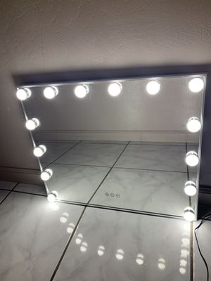 Vanity Mirror with Touch Control Design, Hollywood Makeup Mirrors with Lights. for Sale in Bakersfield, CA
