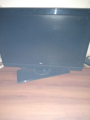 42in LG tv w/stand for Sale in Grand Prairie, TX