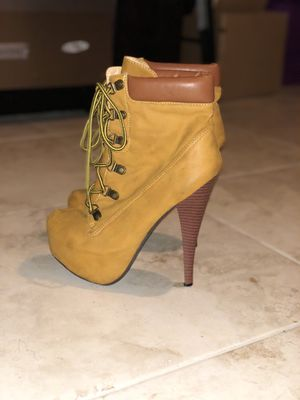 Boots (Size 8) ➡️➡️If Item not marked 'SOLD', it's AVAILABLE!!⬅️⬅️ for Sale in Fresno, CA