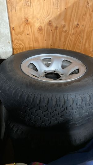 Toyota 4Runner wheels and tires for Sale in Los Angeles, CA