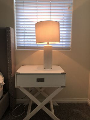 White lamp with lamp shade. for Sale in Bakersfield, CA