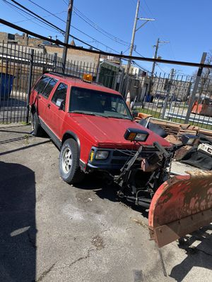 Chevy Blazer Snow Plower for Sale in Chicago, IL