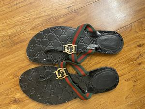 Gucci thong sandals size 9 women for Sale in Ocoee, FL