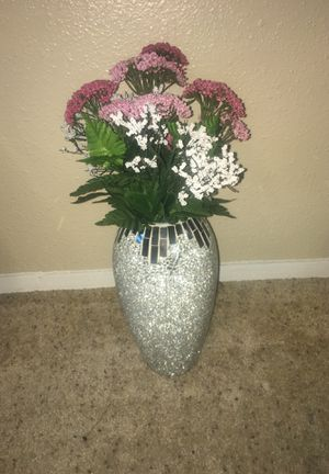 Vase and flowers for Sale in Austin, TX
