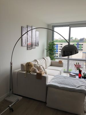Floor lamp with marble base for Sale in Weehawken, NJ
