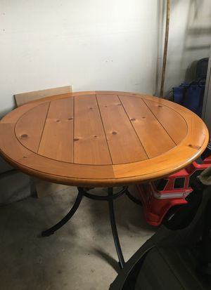 Dining table for Sale in Ashburn, VA