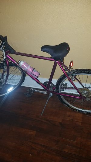 Trek bicycle with helmet n insulated thurmos for Sale in Little Rock, AR