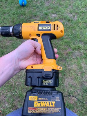 Dewalt 14.4 drill w/ charger for Sale in Austin, TX