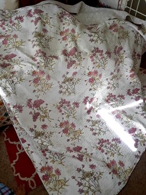 Never used queen double QUILTED comforter for Sale in Stuart, FL