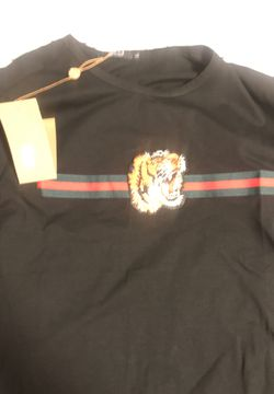 Authentic Gucci shirt for Sale in Takoma Park,  MD