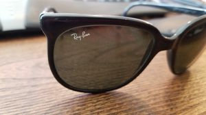Vintage ray ban cats sunglasses for Sale in Ravensdale, WA