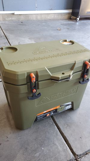 26 qt cooler for Sale in Indianapolis, IN