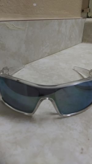 Oakley Sun Glasses for Sale in Federal Way, WA