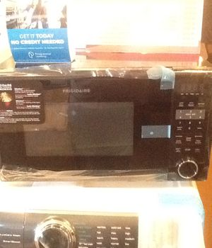 New open box frigidaire countertop microwave FFCM1134LB for Sale in Hawthorne, CA