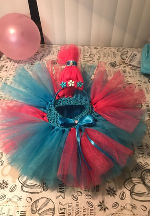 Tutu y Diadema de poppy trolls for Sale in Dallas, TX