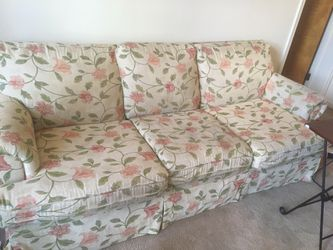 Couch great deal for Sale in Columbus,  OH