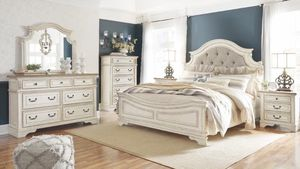 Ashley bedroom set 5 pieces only $1999 for Sale in East Lansdowne, PA