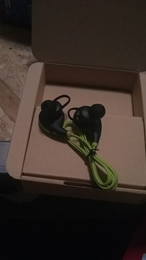 Wireless Bluetooth headphones/earbuds for Sale in Tacoma, WA