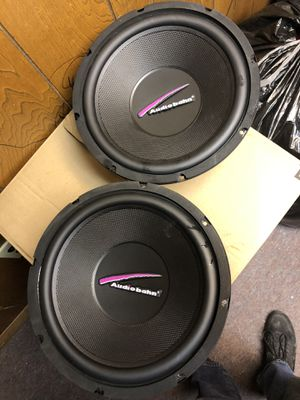 2 speakers subwoofer audio ban 800 watts for Sale in Revere, MA